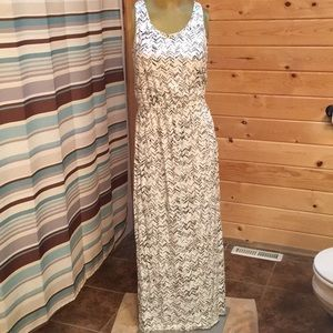 Maxi dress by Gap. Size Small
